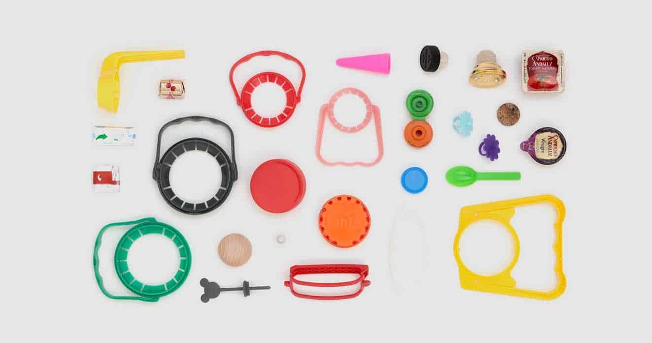 plásticos y derivados construidos a partir de maquinas industriales